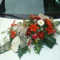 POWER BELGIUM - Bouquet de fleur sur capot